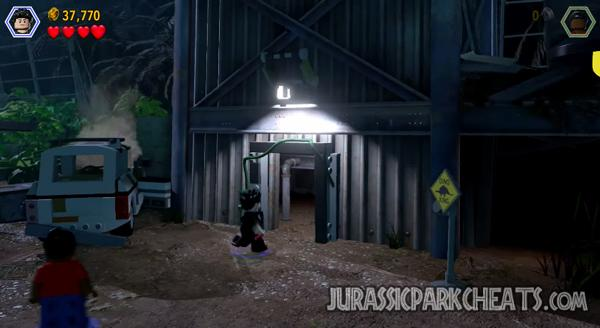 lego-jurassic-world-level-9-communications-center-walkthrough-cheats-8